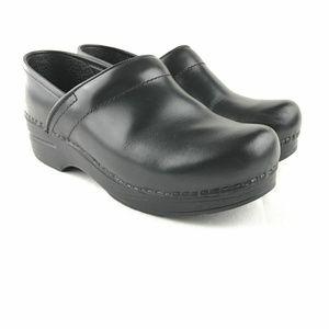 Dansko Womens US 7 EUR 37 Leather black Clogs